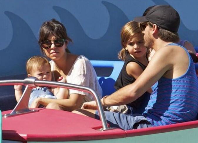 Kourtney Kardashian et son mari profitent des vacances pour passer du temps à Disney avec leurs petits bouts !
