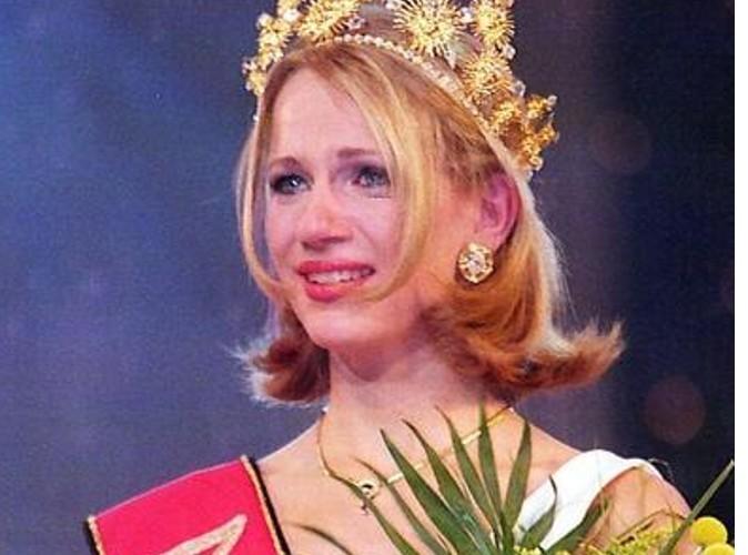 Sandrine Corman : une très jeune Miss en 1997 !