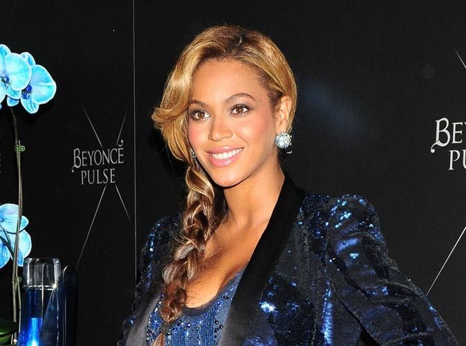 Beyonce : elle donne le sein à sa petite Blue Ivy... Même en public !
