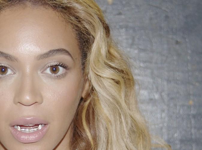 Beyoncé : elle montre les crocs !