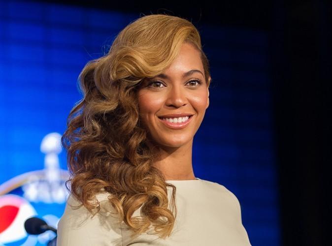 Beyonce : elle se plaint des rumeurs de grossesse mais ne dément pas…