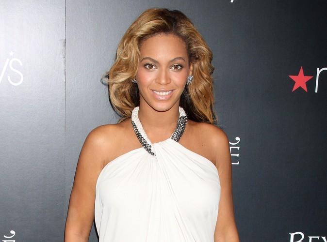 Beyoncé : enceinte elle se ballade avec des talons de 13 centimètres à 1180 dollars !