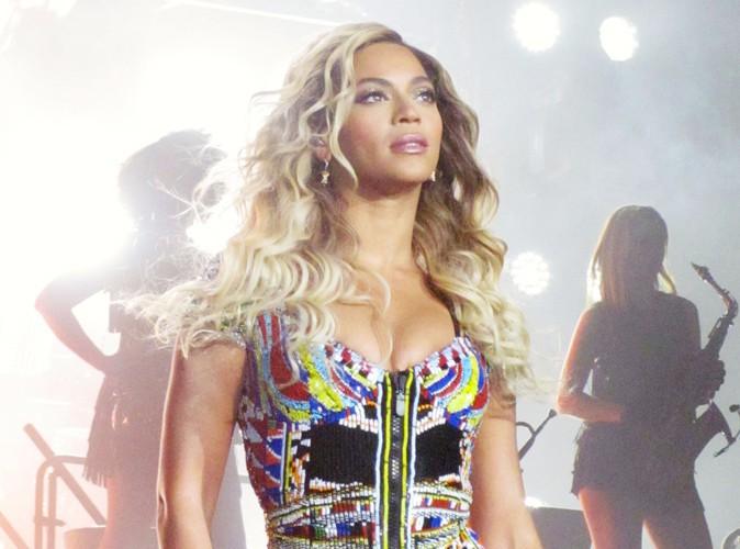 """Beyoncé : poursuivie en justice par deux fans """"piétinées"""" à l'un de ses concerts !"""