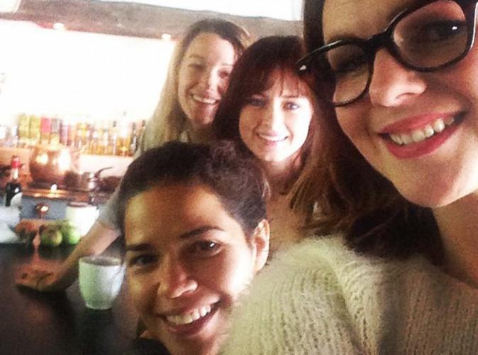 """Blake Lively, America Ferrera, Alexis Bledel et Amber Tamblyn... Retrouvailles entre """"bitches"""" autour d'un brunch !"""