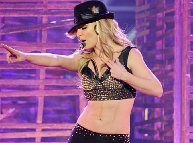 Britney Spears : moquée pour ses faux abdos !