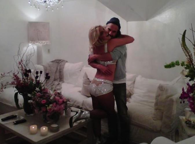Britney Spears : son gros câlin avec Jason Trawick avant le premier concert de son Femme Fatale Tour !