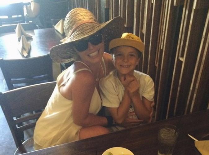 Britney Spears : une rupture ? Quelle rupture ? Elle garde le sourire !