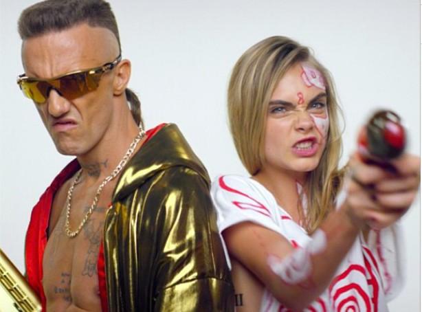 Cara Delevingne : invitée de marque dans le nouveau clip de Die Antwoord !