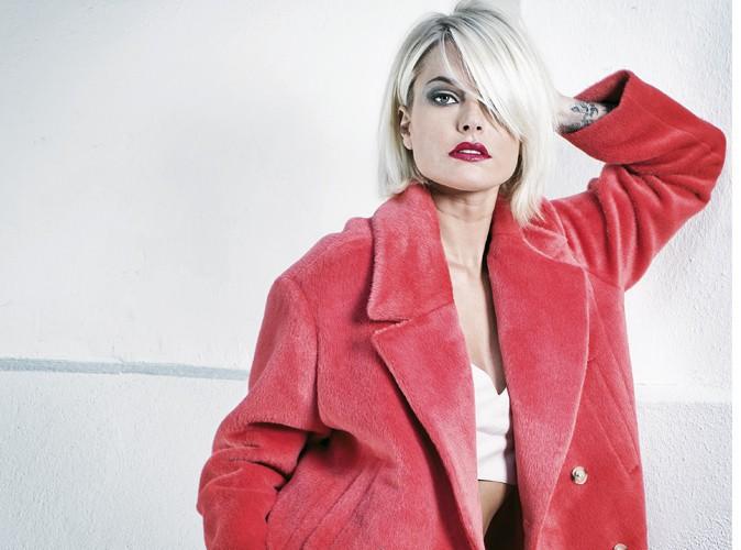Caroline Receveur : la délicieuse blonde d'Hollywood Girls a joué les mannequins pour Public !