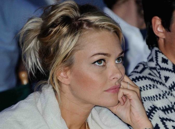 Caroline Receveur : la jolie blonde est en dueil...