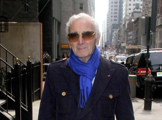 Charles Aznavour : sifflé par son public, il répond à la polémique !
