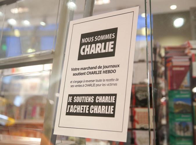 Charlie Hebdo : les kiosques dévalisés, les premières polémiques enflent…