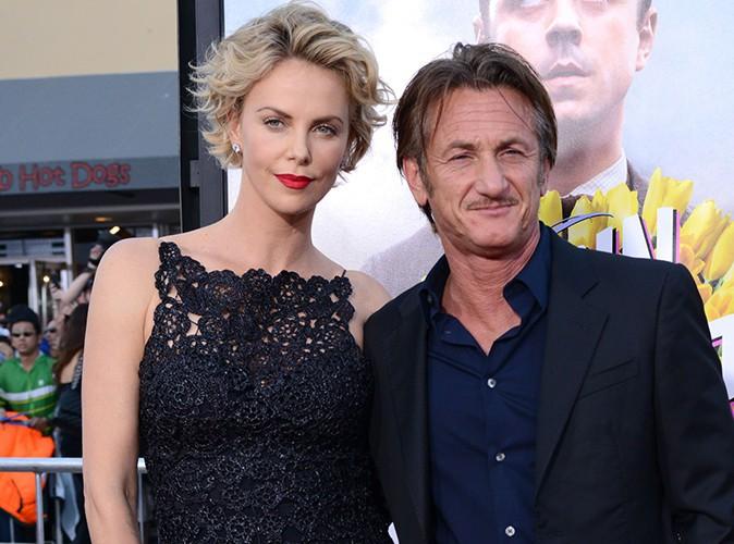 """Charlize Theron et Sean Penn : """"Ils veulent absolument se marier !"""""""