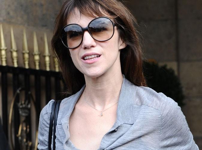 Charlotte Gainsbourg : enceinte, elle est remplacée par Mathilde Seigner !