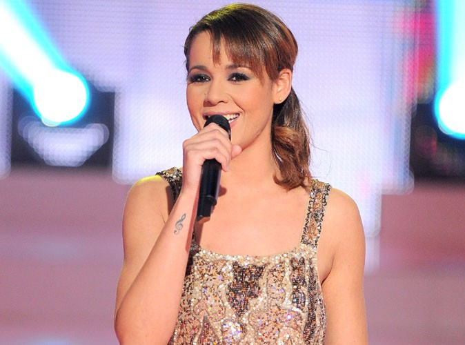 Chimène Badi : lâchée par ses cordes vocales, elle annule sa tournée !