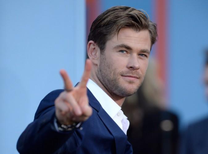 Chris Hemsworth s'explique sur son pénis XXL dans son dernier film !