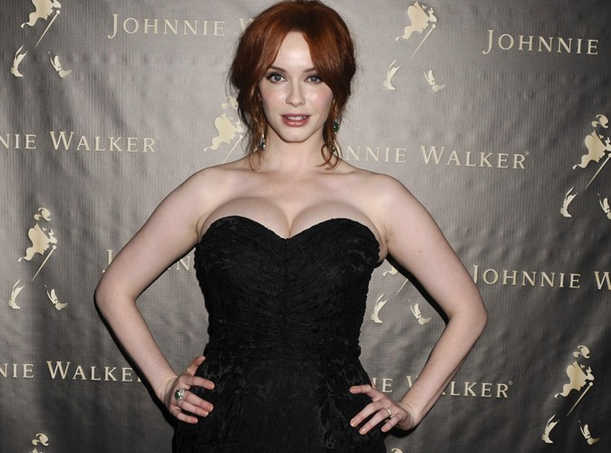 Christina Hendricks : la star de Mad Men prend feu en plein direct !