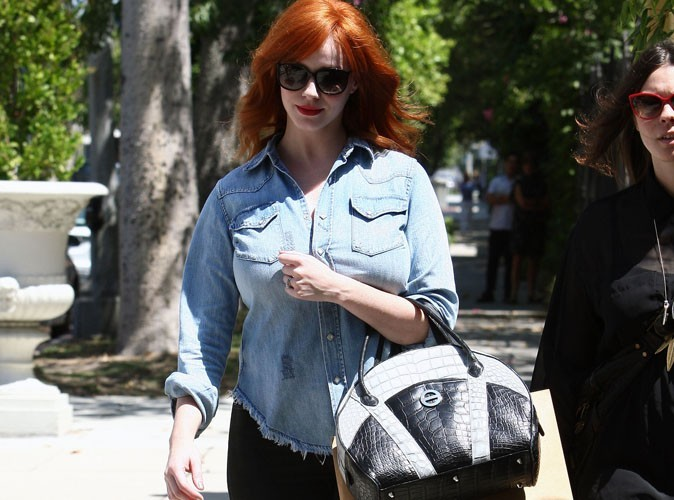 Christina Hendricks : matez son sac à 24 000 dollars !
