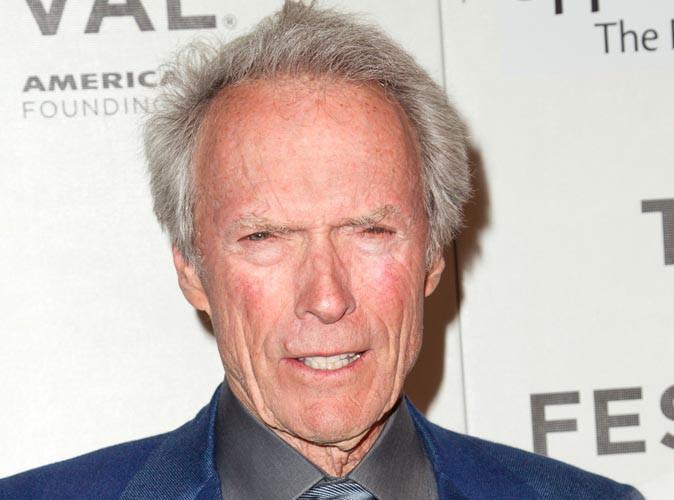 Clint Eastwood : il sauve la vie d'un homme sur le point de s'étouffer !