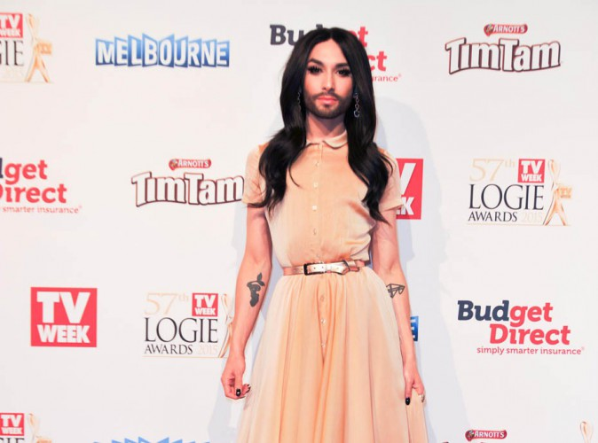"""Conchita Wurst : """"Je suis une femme avec une barbe, il faut donc dire elle"""""""
