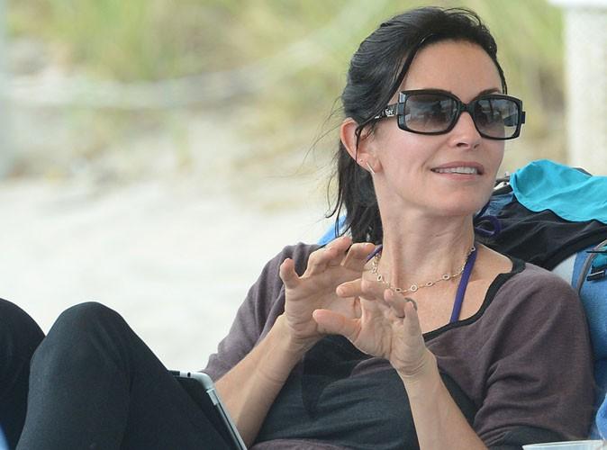 Courteney Cox : un poignet cassé et des vacances à Cancun écourtées !