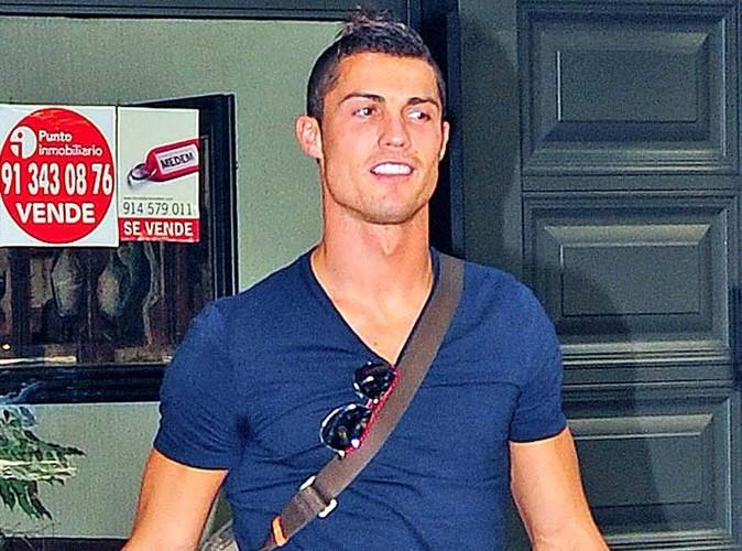 Cristiano Ronaldo présente son fils pour la première fois !