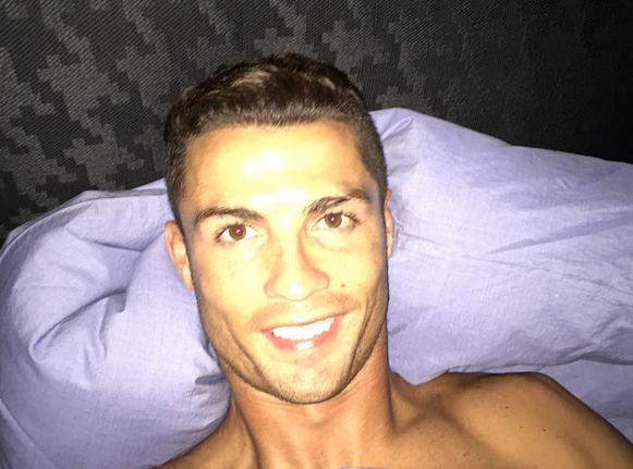 Cristiano Ronaldo : tel père, tel fils... la photo qui fait le buzz !