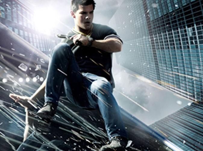 Découvrez Taylor Lautner en pleine action dans le poster d'Abduction !