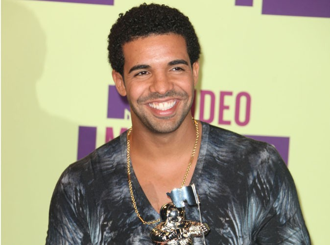 Drake came in 3rd on richest hip hop list with $39.5m.