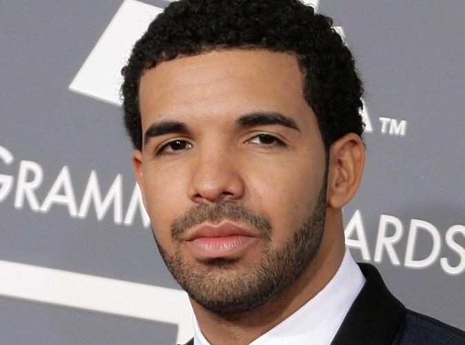 """Drake : il aimerait bien avoir une explication """"d'homme à homme"""" avec Chris Brown…"""