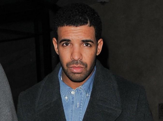 """Drake : """"Il ne veut pas que Rihanna parle à Chris Brown"""" !"""