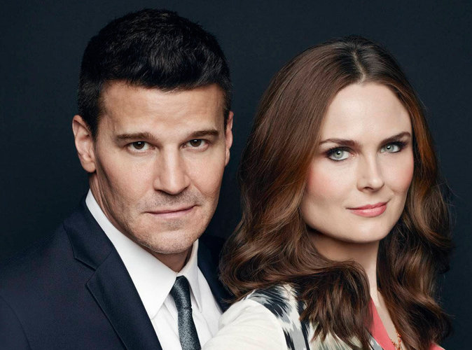 Emily Deschanel et David Boreanaz (Bones) accusent la Fox de leur avoir volé 100 millions de dollars !