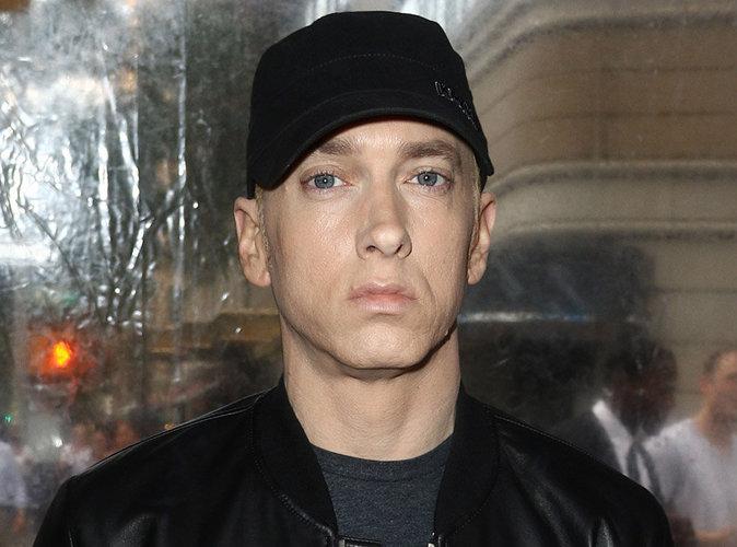 Eminem : Il vend les briques de sa maison à ses fans !