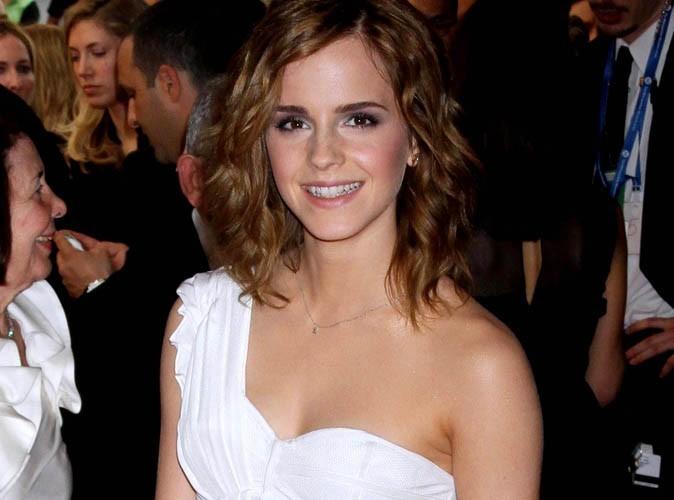 Emma Watson : elle retrouve ses cheveux longs, vive les extensions !