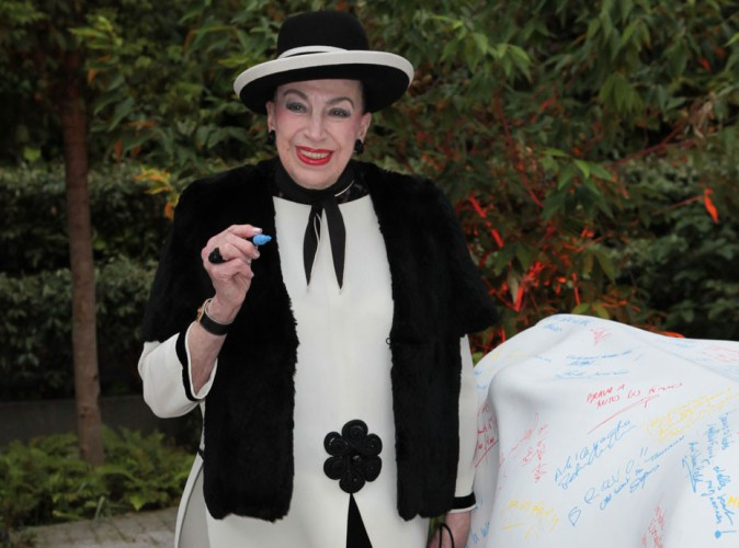 """Geneviève de Fontenay revient sur sa gaffe pendant l'élection de Miss Algérie : """"Ma langue a fourché"""" !"""
