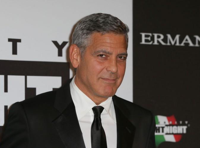 """George Clooney : griffé de la tête aux pieds pour son mariage, l'acteur """"bien monté"""" fait rêver les stars du X !"""