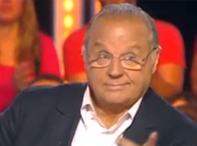 """Gérard Louvin : le producteur en couple """"avec son amoureux depuis 42 ans"""" a fait son coming-out !"""