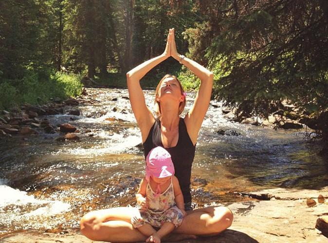 Gisele Bündchen : elle médite avec sa fille Vivian !