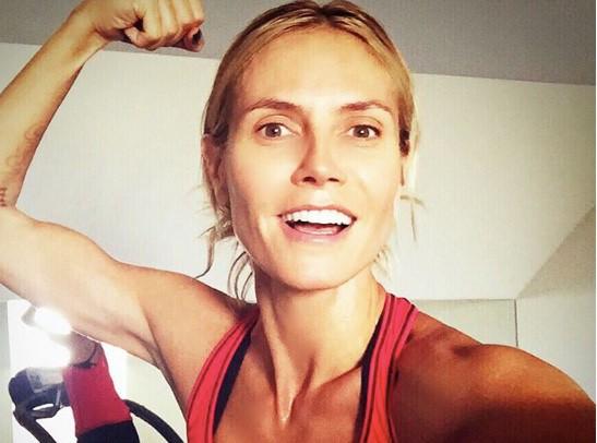 Heidi Klum : Elle n'est pas contre une petite fessée la coquine !