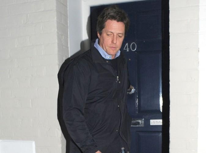 Hugh Grant : il rend une visite express à son bébé !