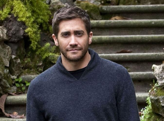 """Jake Gyllenhaal opte pour le look """"boule à zéro"""" !"""