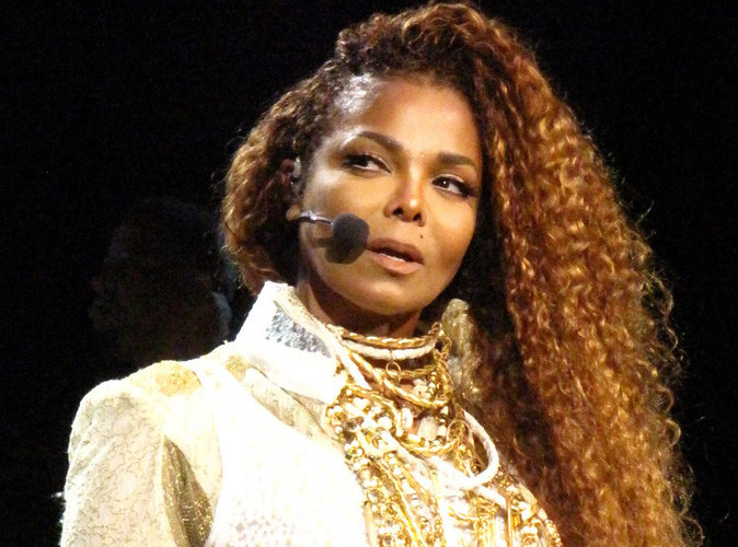 """Janet Jackson : """"Je n'ai pas de cancer"""""""