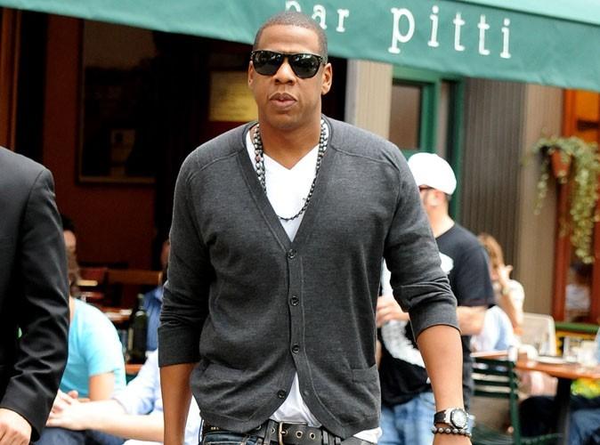 Jay-Z : le rappeur milliardaire éclate 250000$ en champagne pour célébrer le succès de son album !