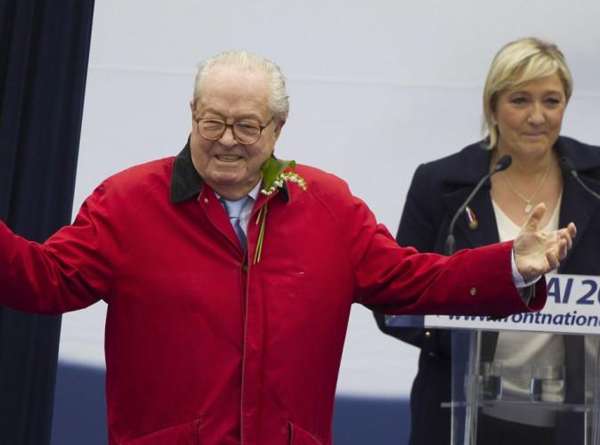 """Jean-Marie Le Pen  furieux contre Marine : """"Marie-toi, ça te permettra de changer de nom"""" !"""