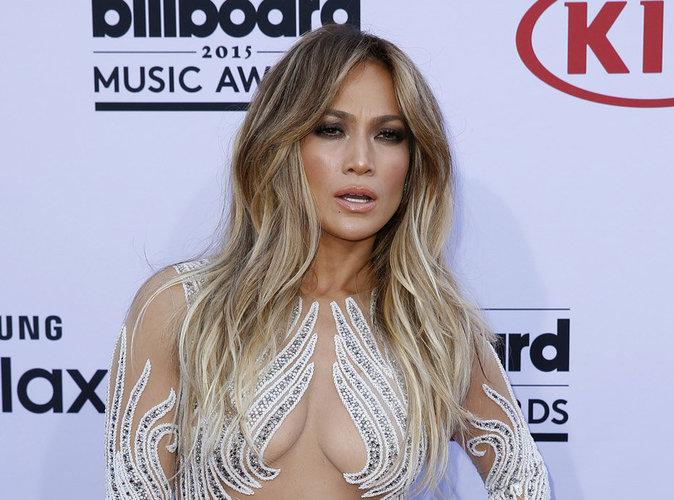 Jennfier Lopez : star absolue des American Music Awards 2015 !
