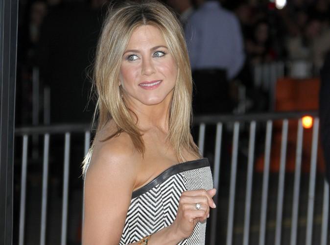 Jennifer Aniston : découvrez le diamant pharamineux que lui a offert Justin Theroux !