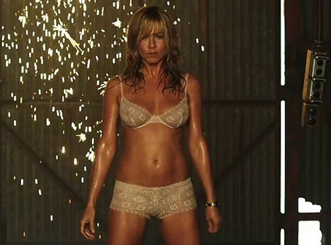 Jennifer Aniston : les secrets de son corps de strip-teaseuse !