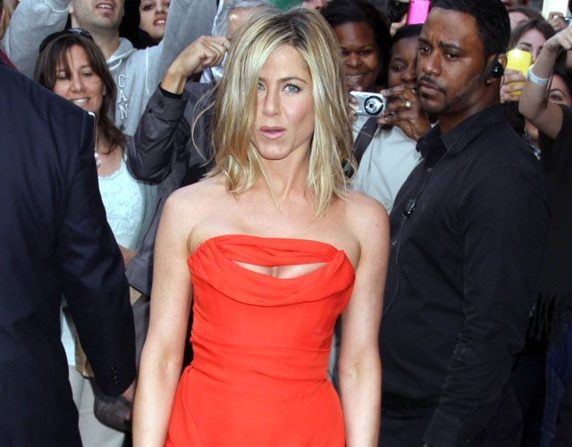 Jennifer Aniston, son père s'improvise conseiller matrimonial !