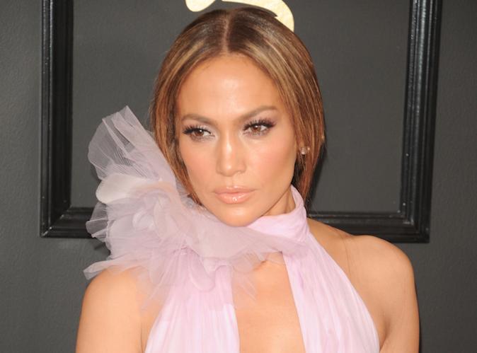 Jennifer Lopez : Aux Grammys, elle n'a pas échappé à la question sur Drake !
