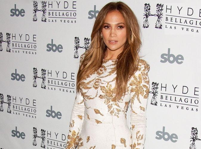 Jennifer Lopez : elle prépare une série sur des lesbiennes !